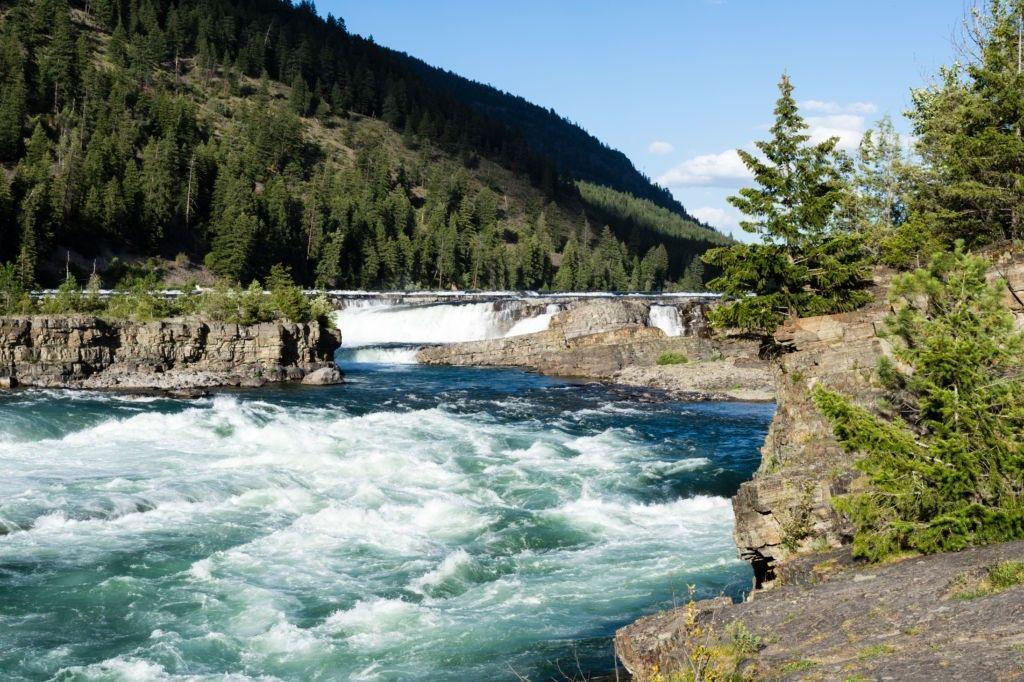 Cataratas Kootenai en Montana, EE.UU