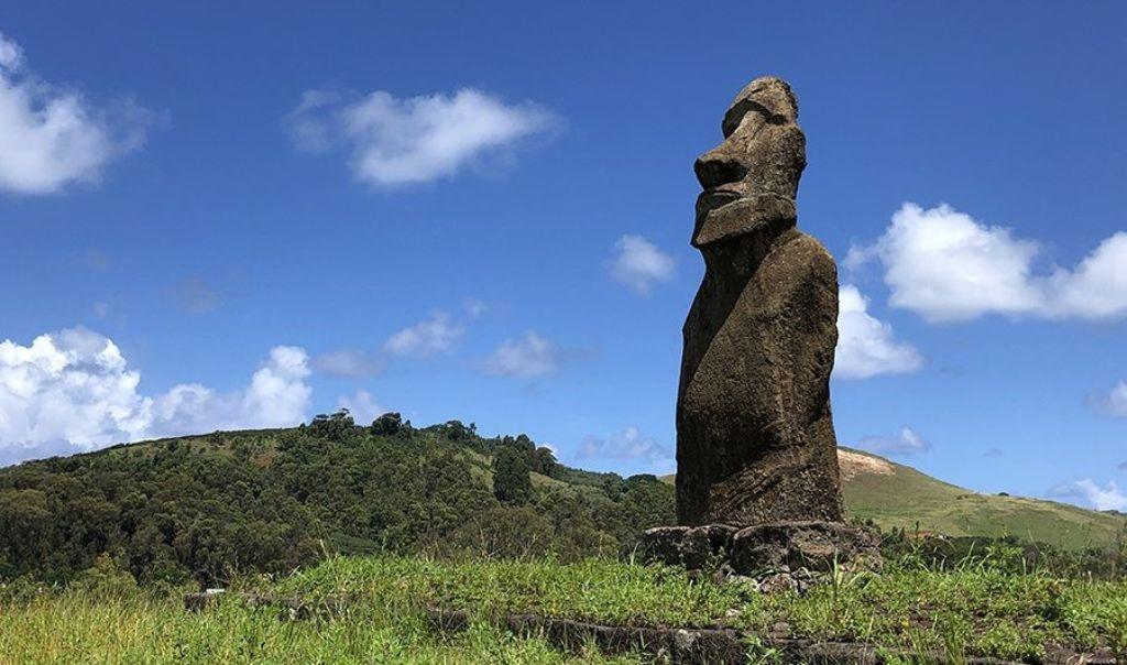 Moai Te Piro Kura en la Isla de Pascua