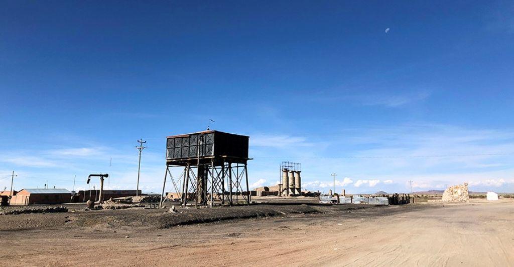Estación de trenes de Julaca en el Salar de Uyini Bolivia
