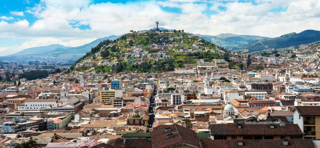 Panorámica de la ciudad de Quito en Ecuador