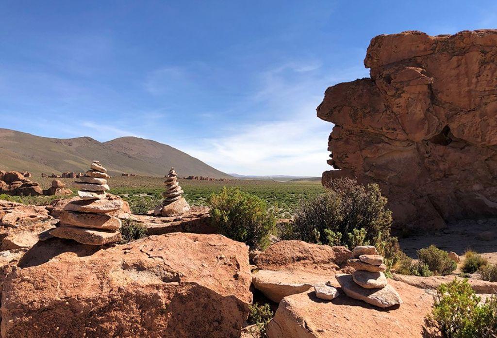Valle de Rocas del Salar de Uyuni Bolivia