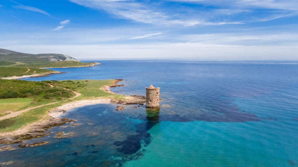 vacaciones de verano MACINAGGIO CAP CORSE córcega mar y playa solitaria