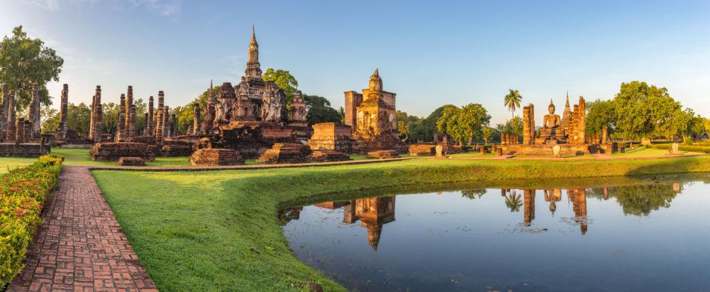 vista del Parque Sukothai en Tailandia seguro de viaje