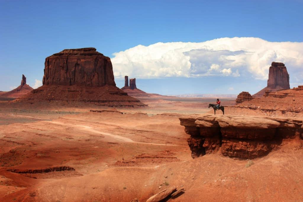 cowboy en Monument valley visado Estados Unidos documentos