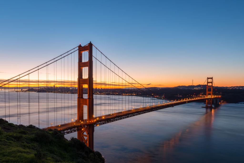 Golden Gate Bridge atardecer documentos Estados Unidos visado