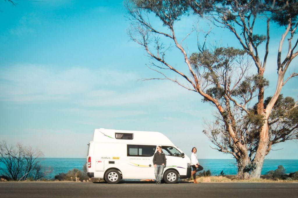 The traveller Duet van life australia caravana trabajo para españoles