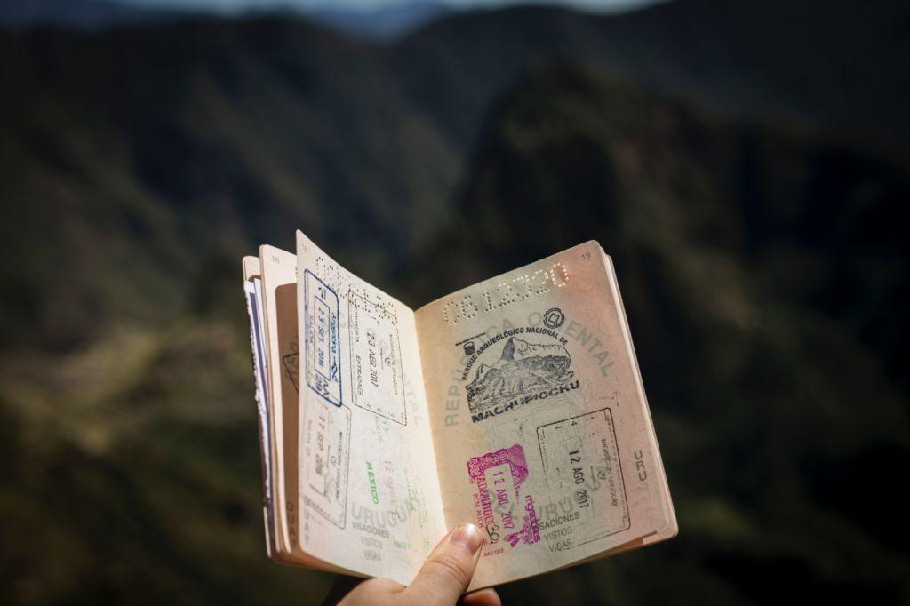 pasaporte con sellos