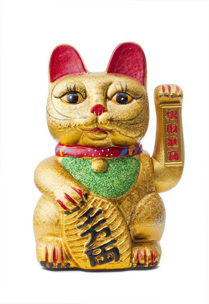 gato dorado pata chino maneki neko significado
