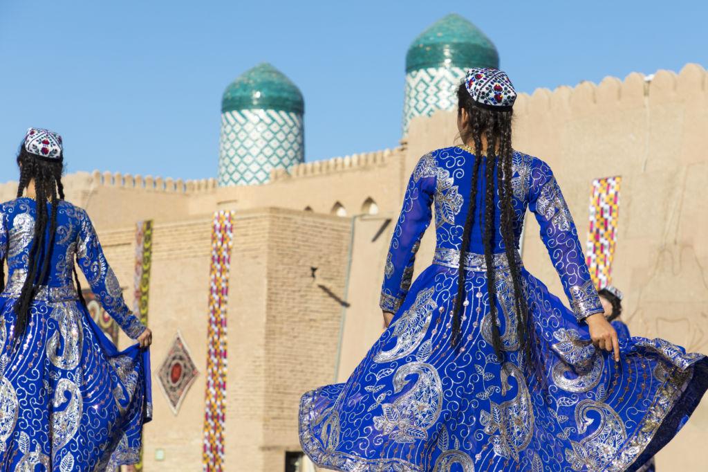 Uzberkistán visado danza típica