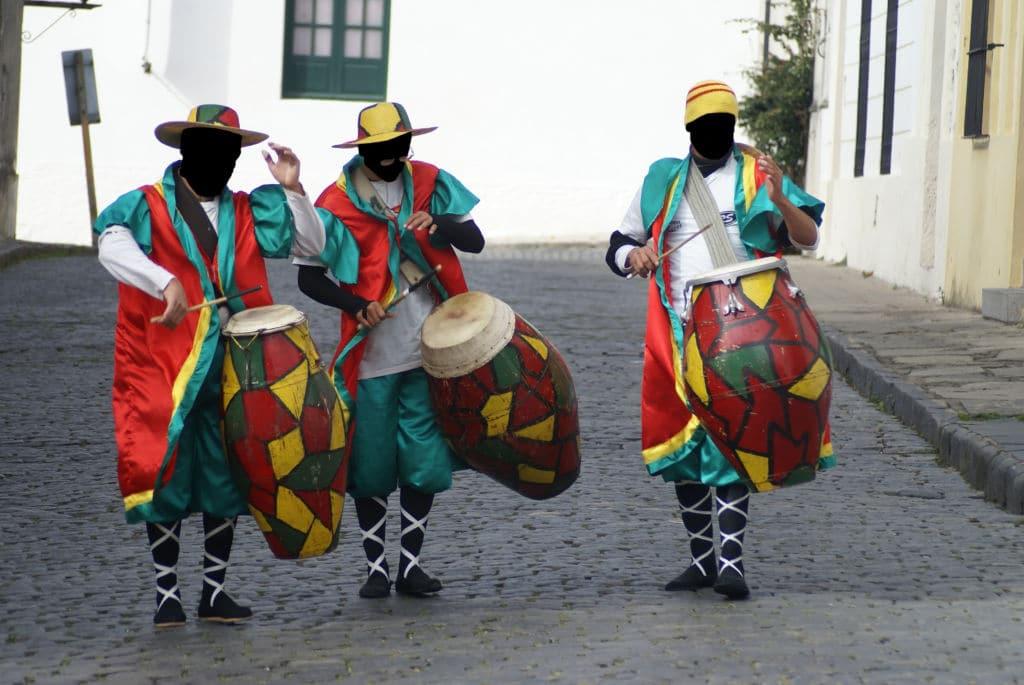 carnaval Uruguay viajar motivos adondequiera