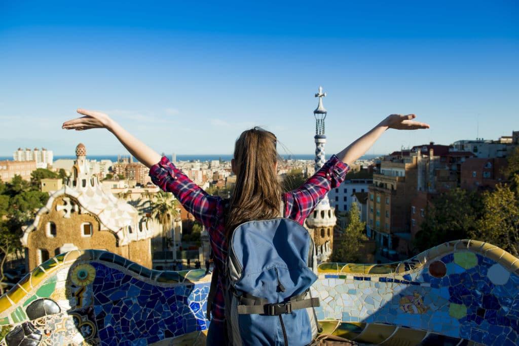 seguro estudiante españa chica parque Güell barcelona