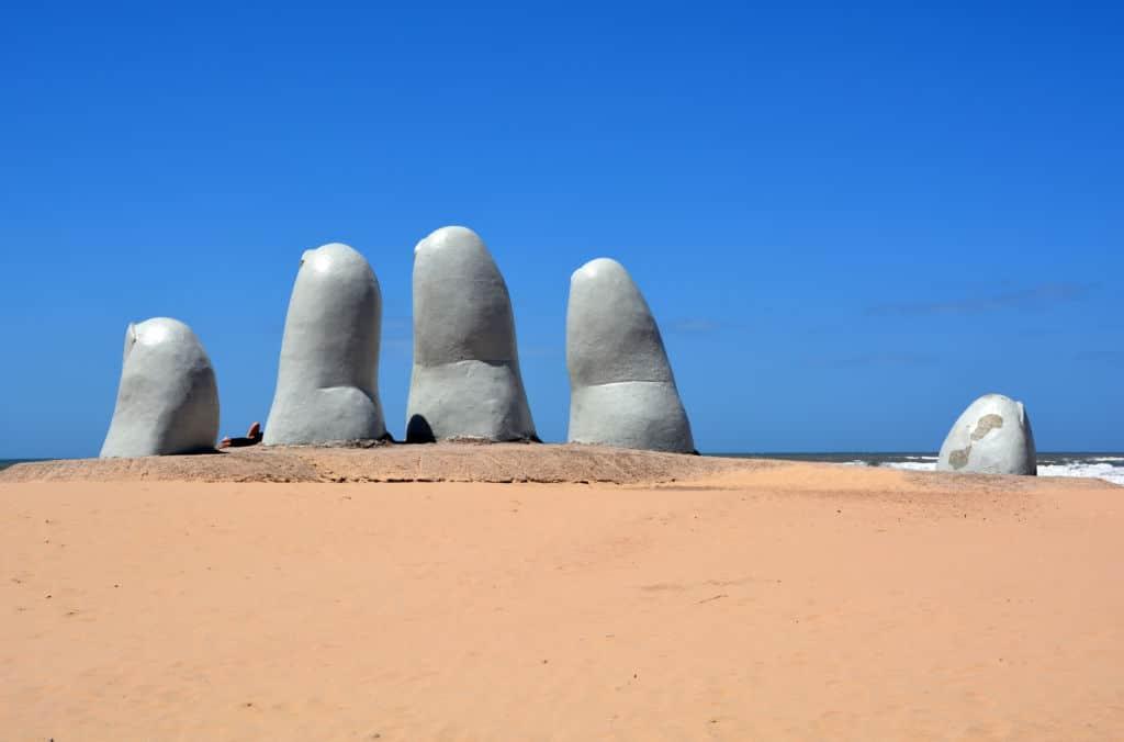 seguro de viaje Uruguay con coberturas covid-19