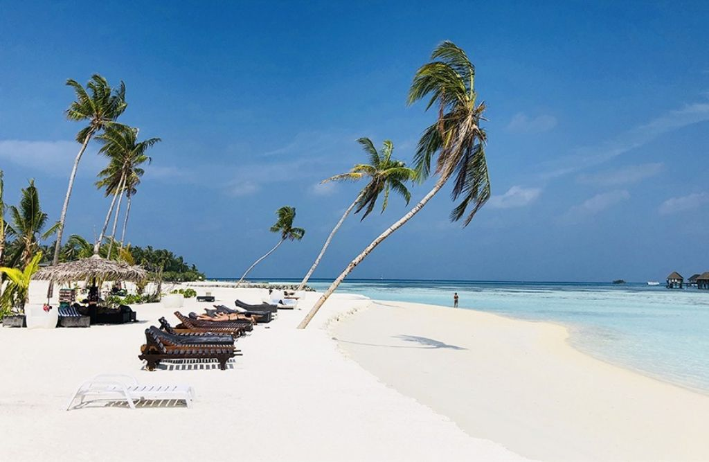 playa paradisiaca Huraa monoviajero