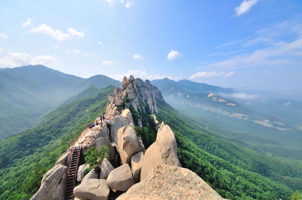 Seoraksan naturaleza corea parque nacional working holiday visa
