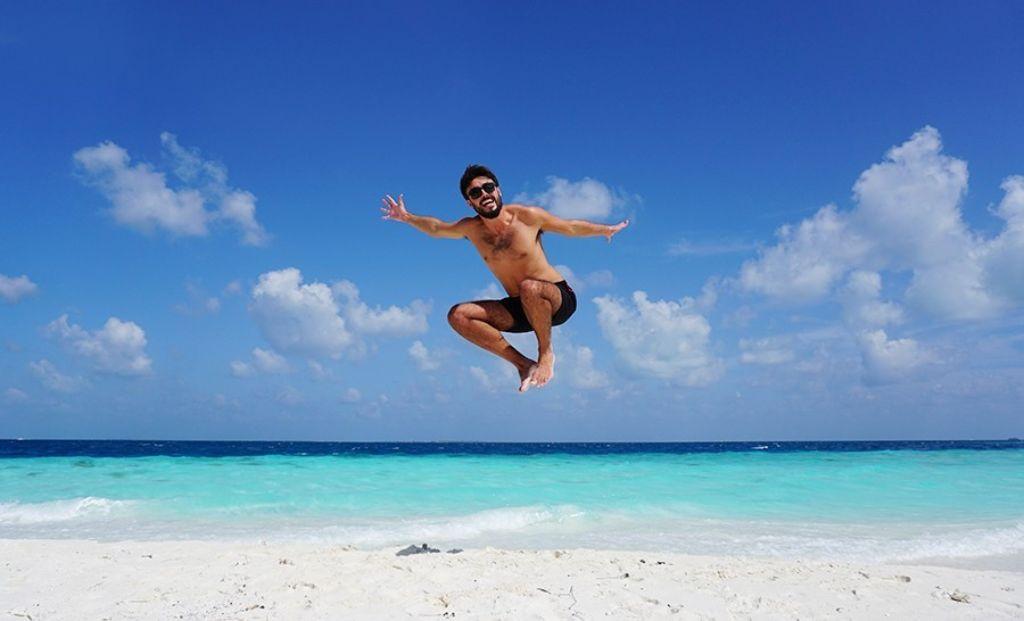 monoviajero en maldivas