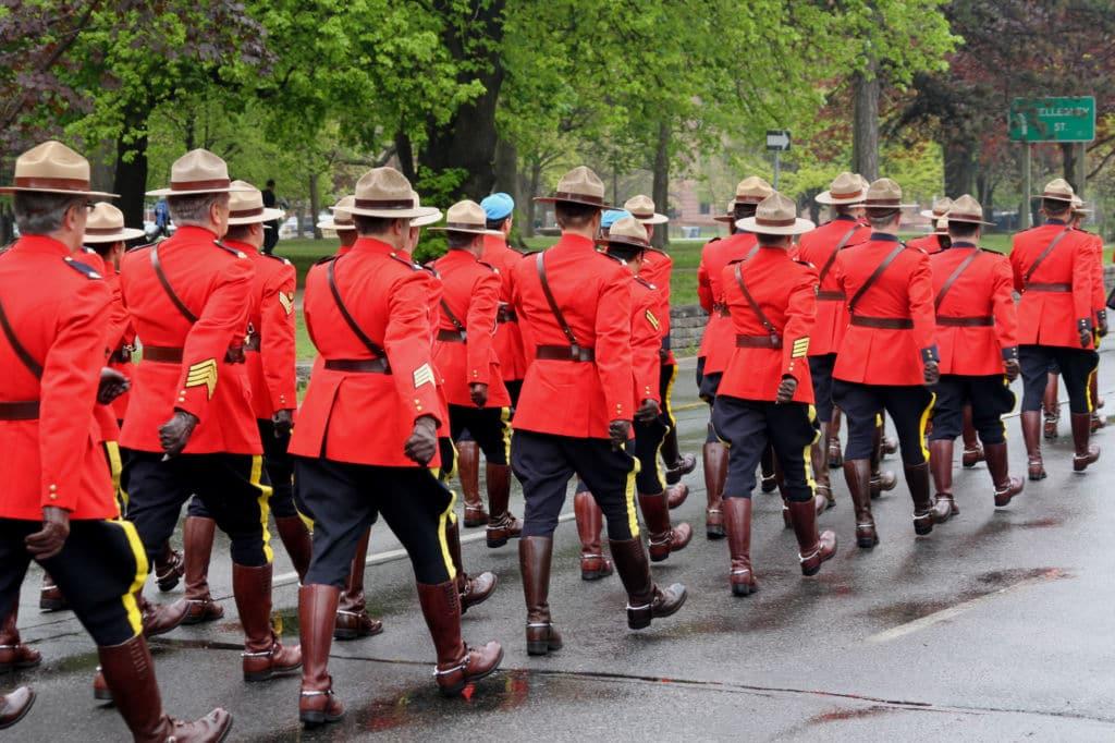 Royal Canadian Mounted Police policía tipica de canadá