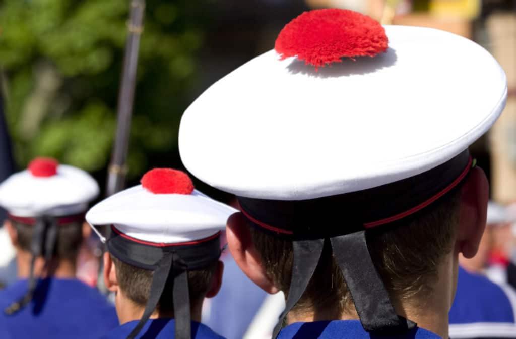 bachi gorro típico marinero Francia creencias buena suerte fortuna