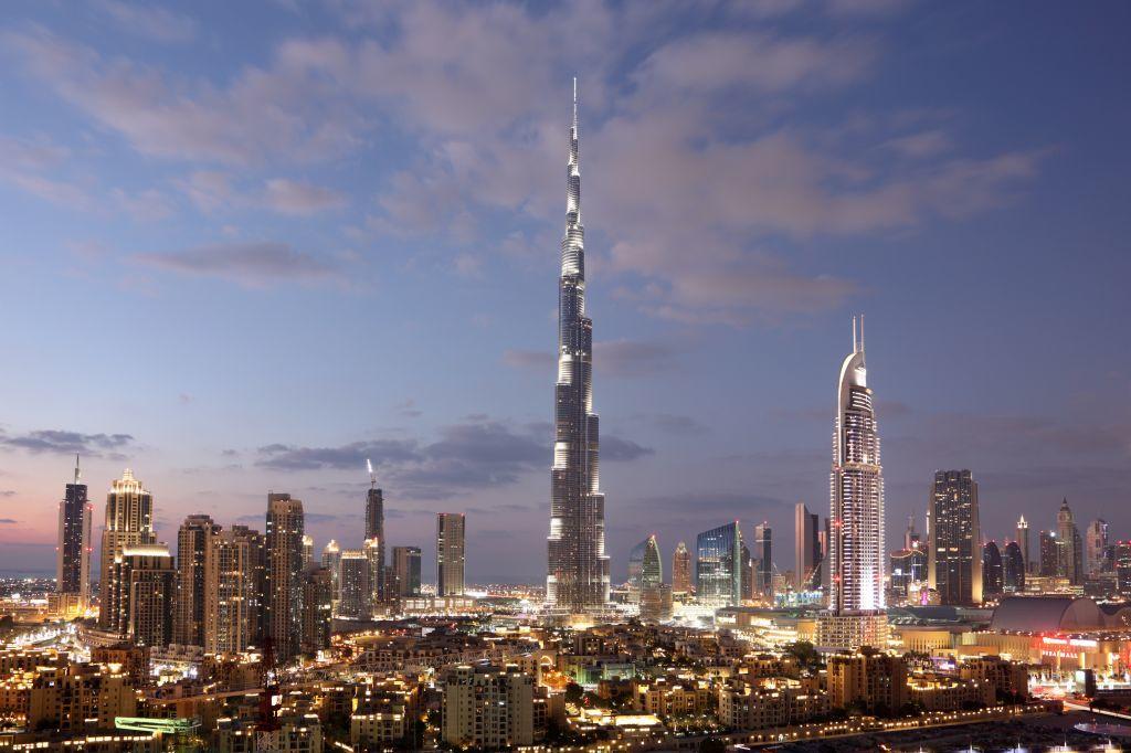 Dubái fronteras covid-19 seguro de viaje Emiratos árabes unidos