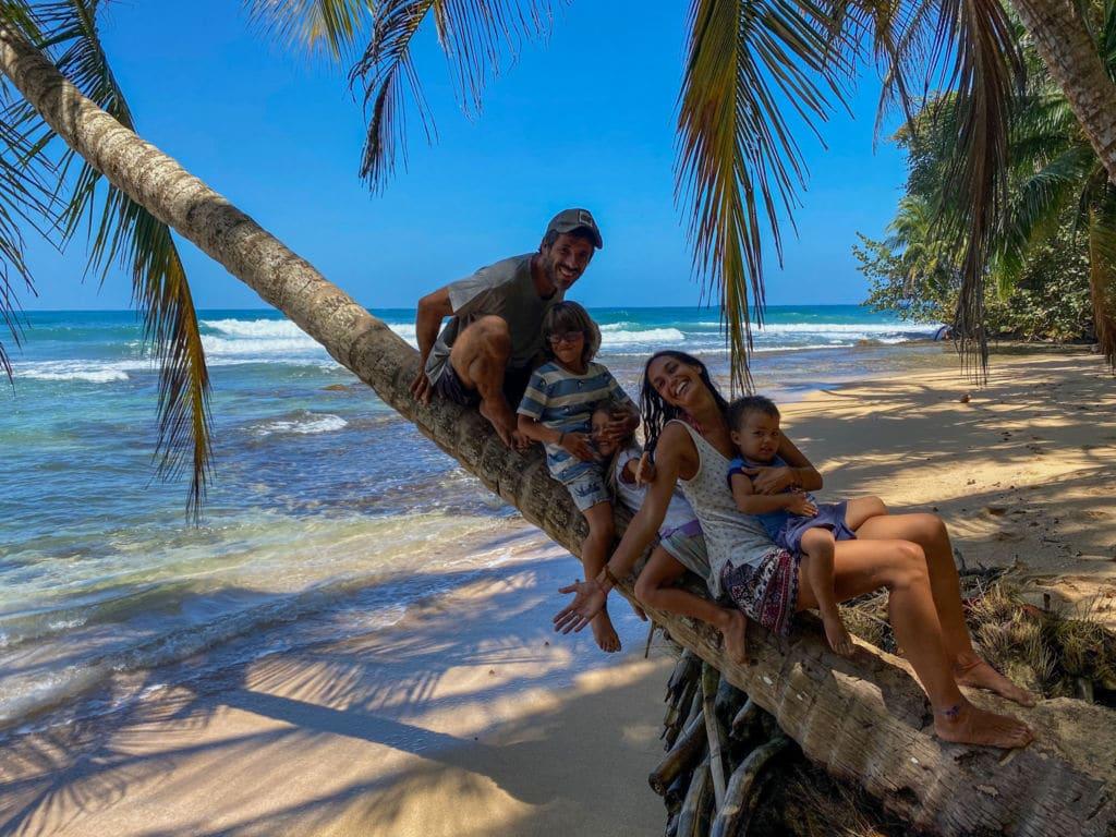 lugares para viajar con niños en verano Los Mundo en costa rica