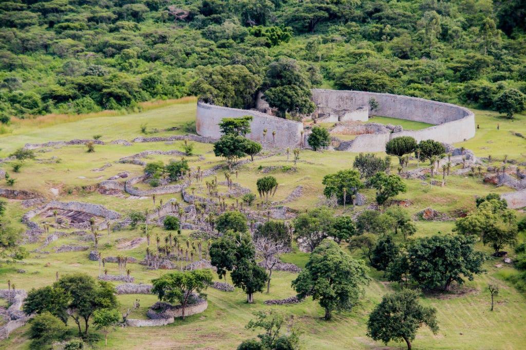 Las ruinas del Gran Zimbabue etimología
