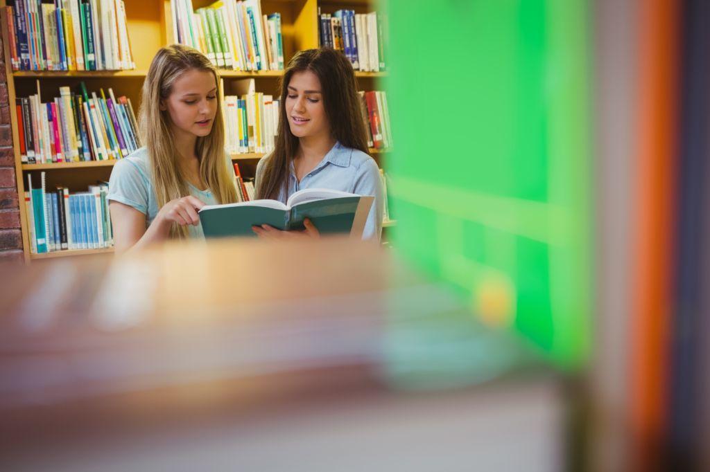 seguro médico para estudiantes COVID-19