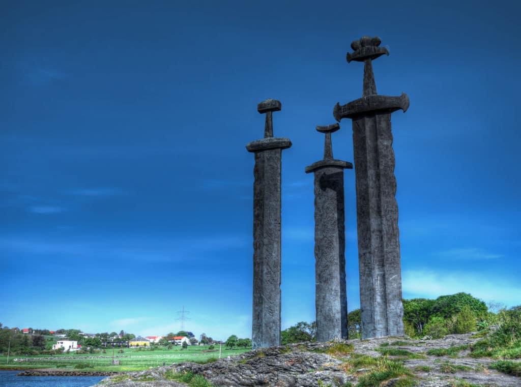 espadas clavadas Stavanger en noruega perfecto road trip