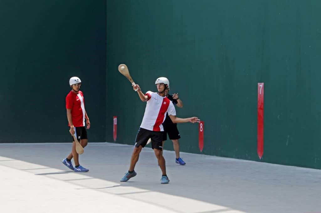 deportes insólitos pelota vasca paleta frontón en Perú