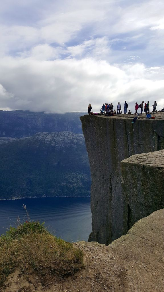 Preikestolen de un lado road trip por el sur de Noruega