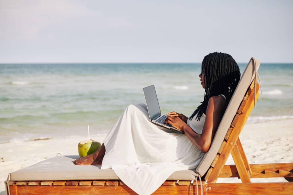 teletrabajar en el extranjero países en los que el visado está disponible trabajar en la playa