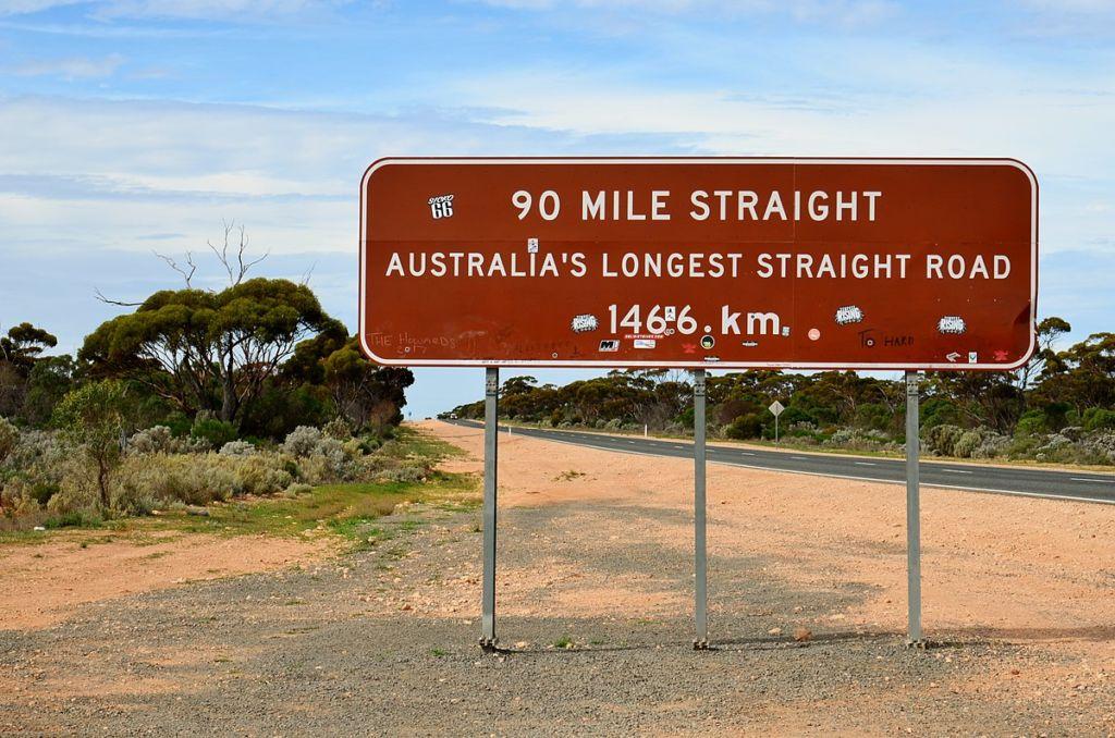 señales tráfico Australia. 146 línea recta
