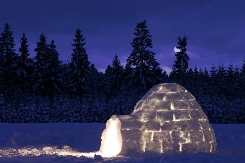 10 alojamientos insólitos en el mundo - un iglú en Laponia