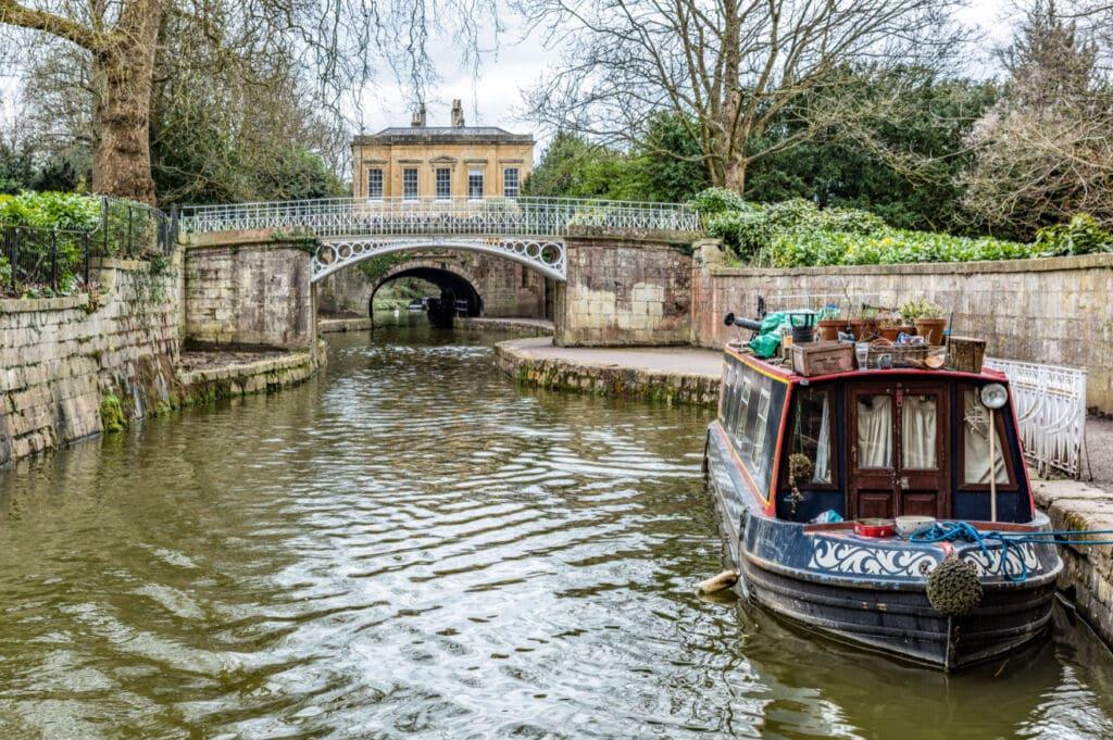 Canal de Kenneth and Avon en Inglaterra