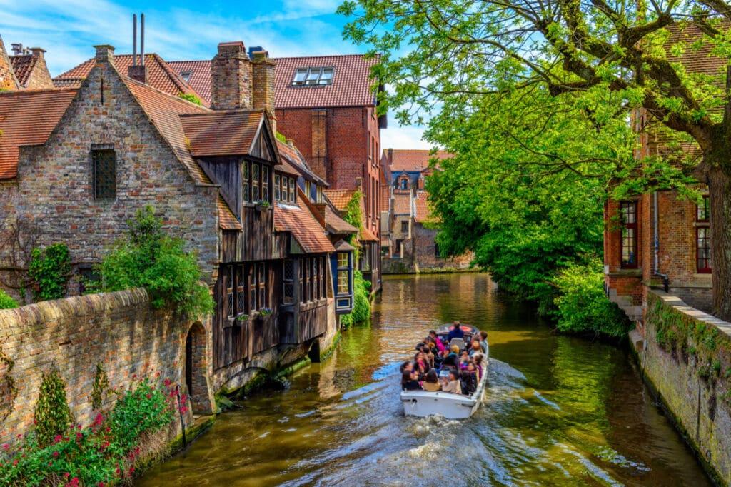 los canales de Brujas son unos de los más bonitos del mundo