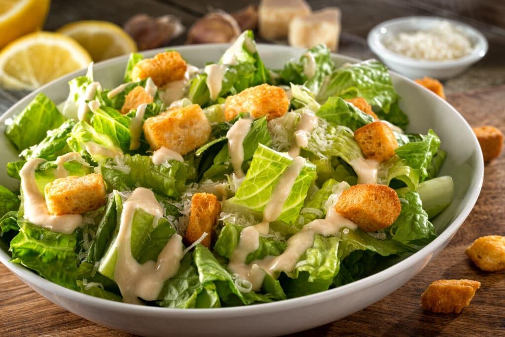 ensalada César, una de las ensaladas más famosas del mundo