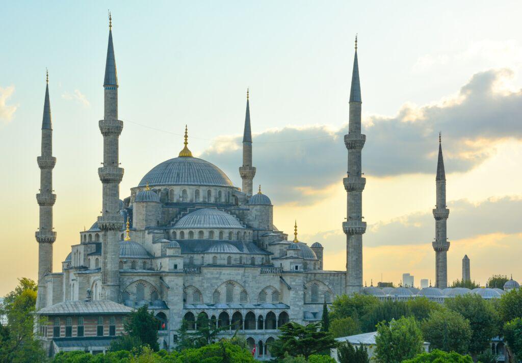 ¿Se puede viajar a Turquía? seguro de viaje para Turquía con coberturas covid