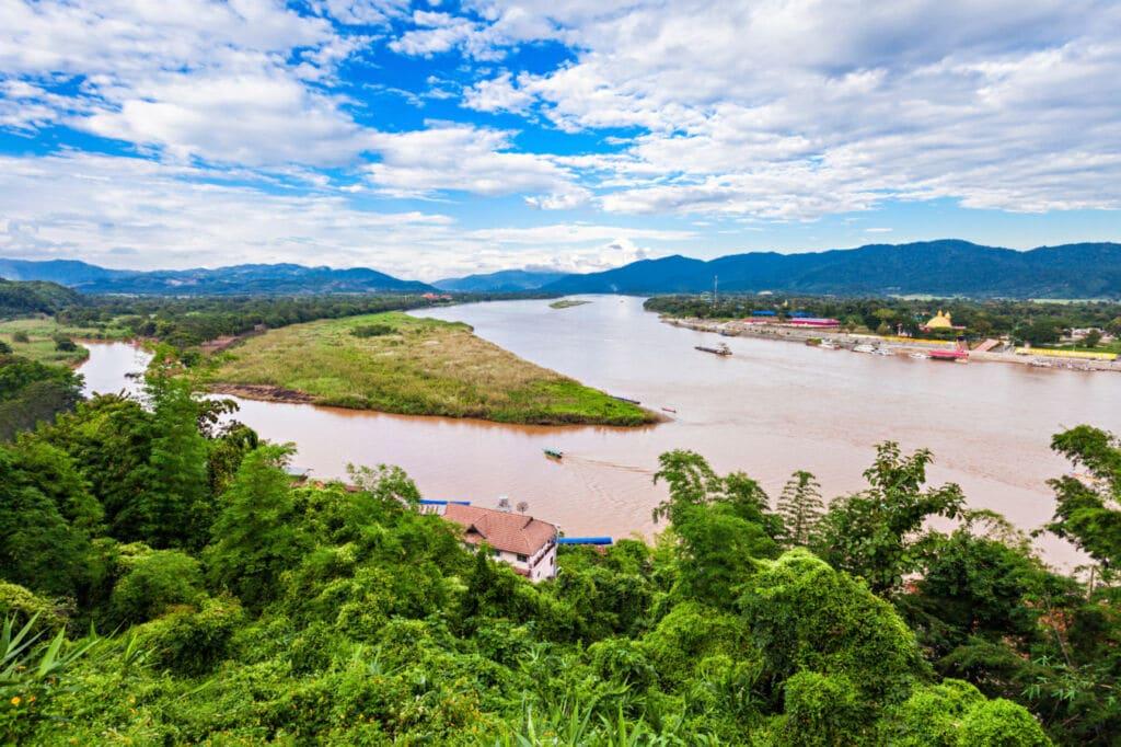 el Golden Triangle Park entre Tailandia, Laos y Myanmar trifinios del mundo