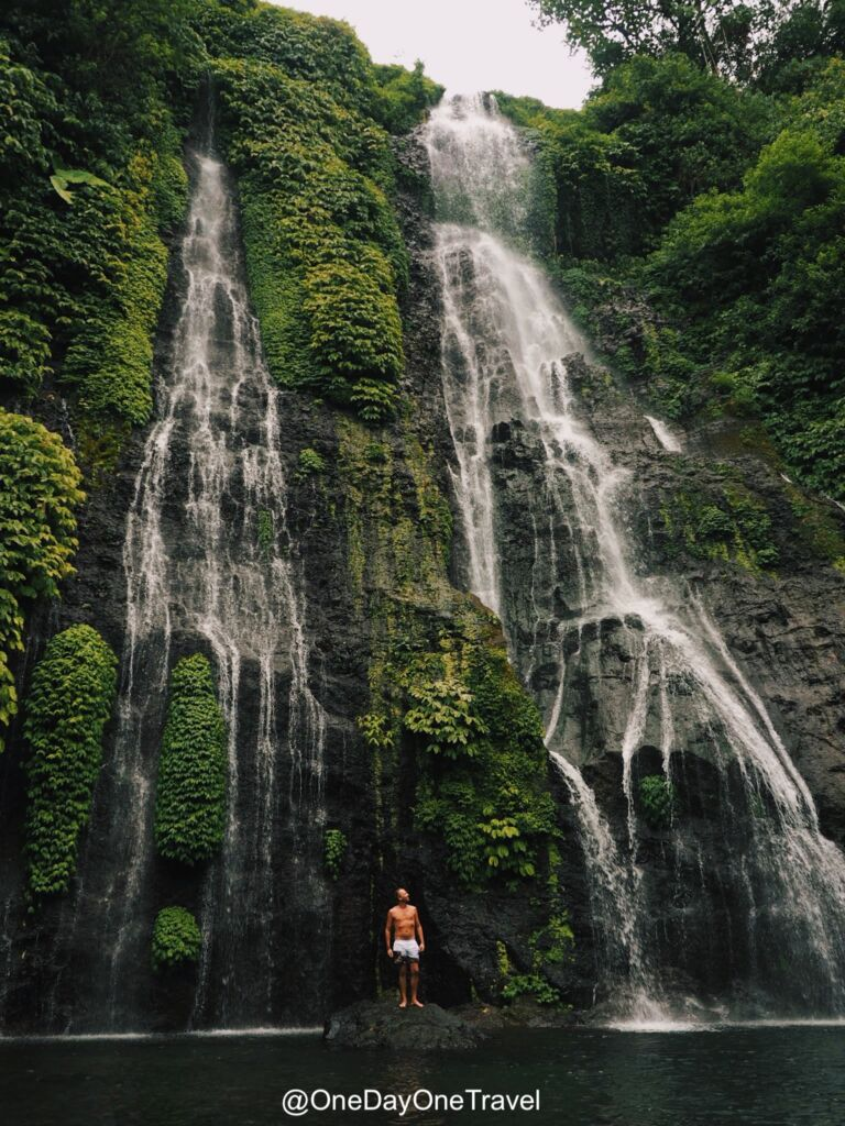 5 lugares desconocidos que tienes que visitar en Bali - cascadas Banyumala