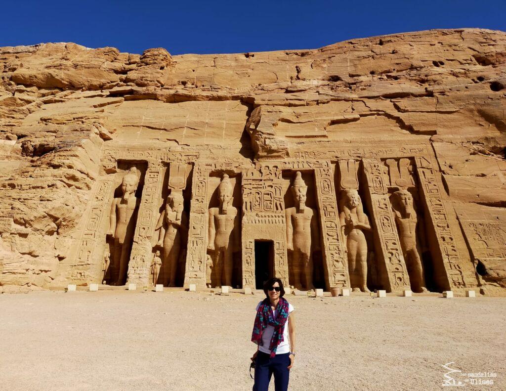 Viajar a Egipto por libre en tiempos de COVID-19 -  templo de Abu Simbel. Las sandalias de Ulises