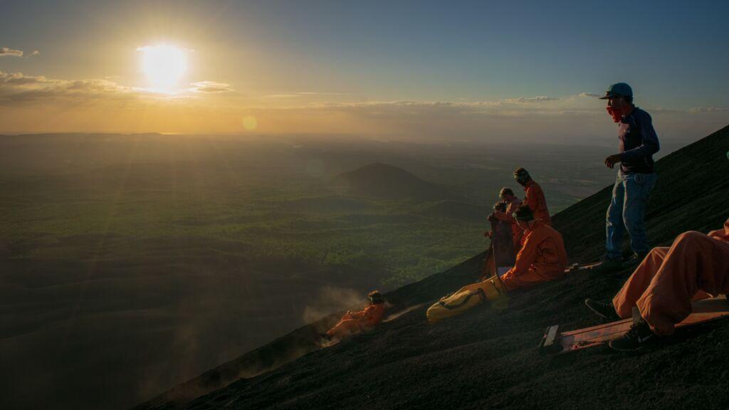 descenso del Cerro Negro en trineo