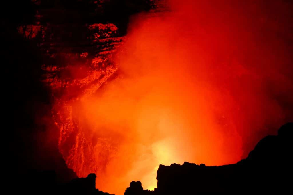 impresionante volcán Massaya en Nicaragua