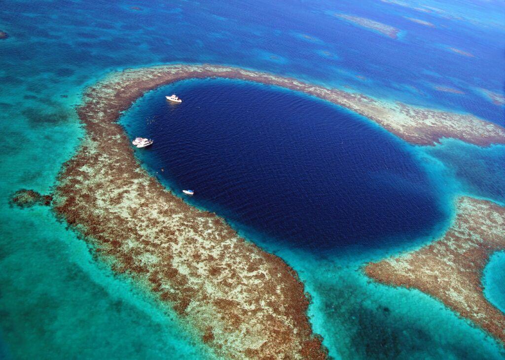 Blue Hole, un lugar para hacer snorkel si viajas a Belice