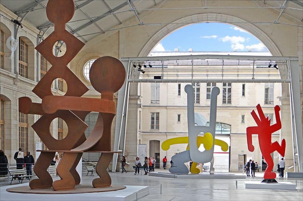 museos alternativos y diferentes que visitar en París. Le Centquatre