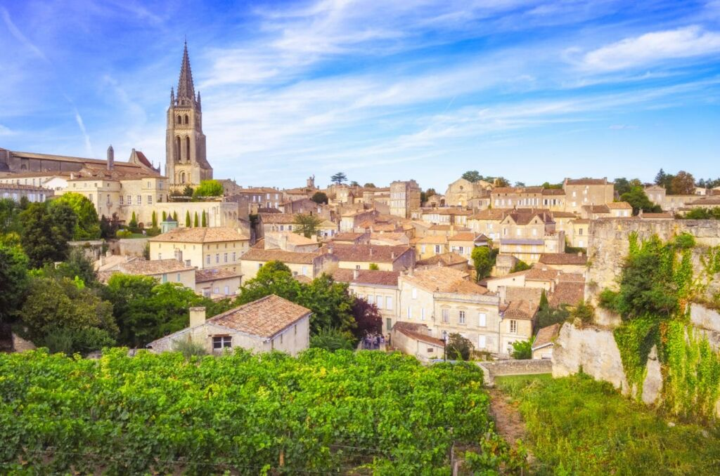 Saint-Emilion, pueblo que ver en los alrededores de Burdeos