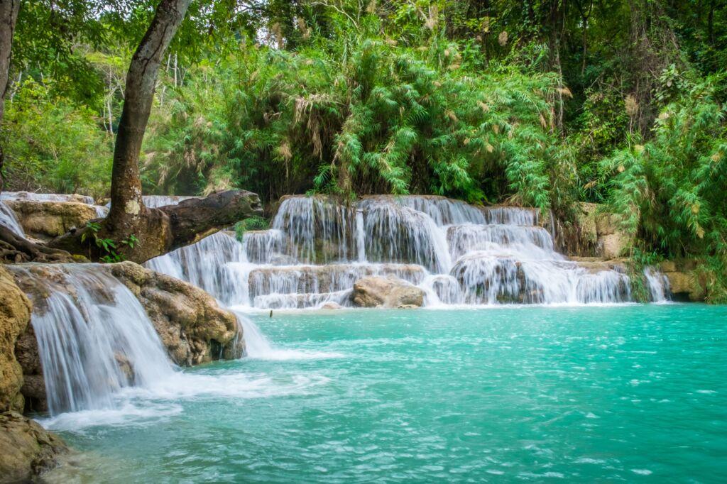 cómo llegar por libre a las cataratas Kuang Si en Laos