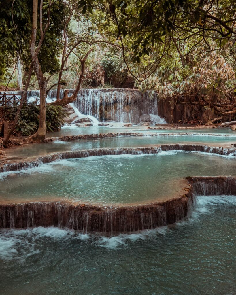 Kuang Si Falls, cataratas a las que se puede llegar por libre en Laos
